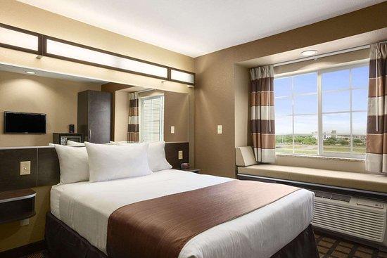 Cotulla, TX: Standard Queen Room
