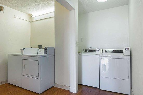 موتل 6 نيونان جورجيا: laundry