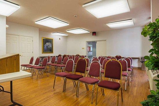 موتل 6 نيونان جورجيا: meeting room