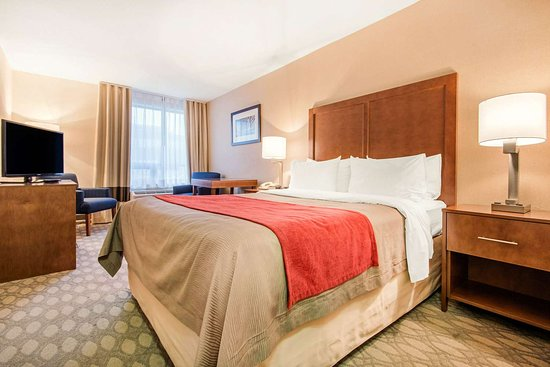 Comfort Inn Fallsview: Guest room with one bed