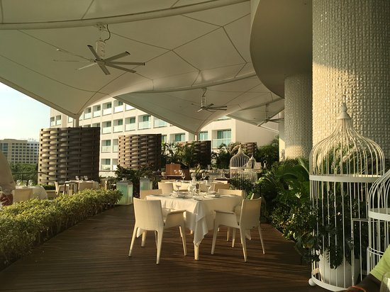 The Grand Bliss at Vidanta Nuevo Vallarta: Thr french restaurant