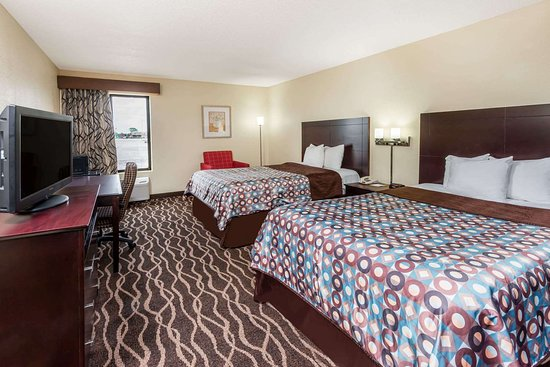 Days Inn & Suites by Wyndham Casey: Guest room