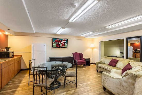 red roof inn clearwater airport 58 6 7 updated. Black Bedroom Furniture Sets. Home Design Ideas