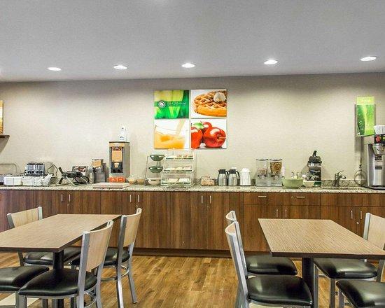 Quality Inn Louisville - Boulder: Free hot breakfast