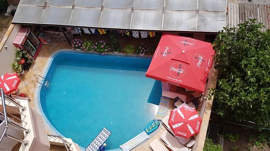 Italia: Pool bar from our 5th floor balcony