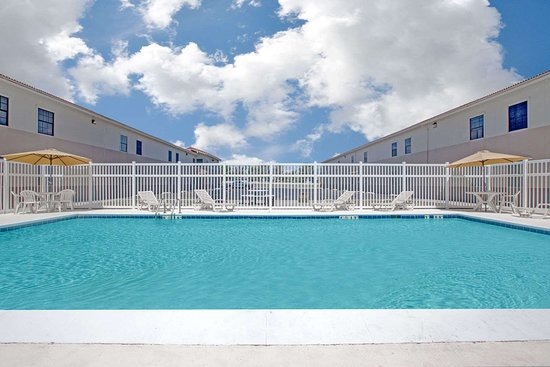 Days Inn by Wyndham Casper: Pool
