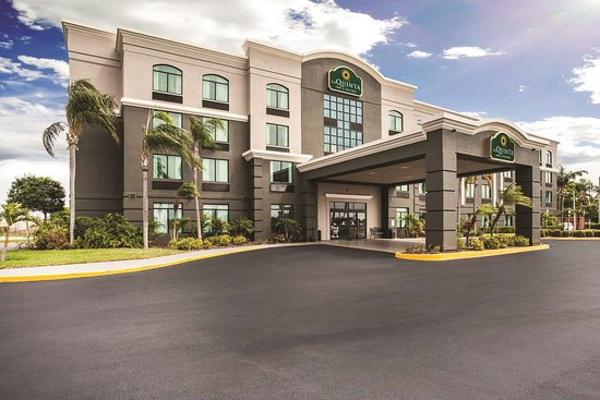 La Quinta Inn & Suites Clearwater South Hotel