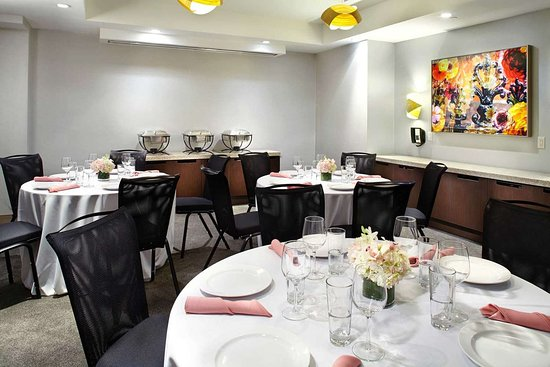 Cambria Hotel New York - Chelsea: Banquet room