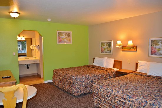Hotel Medford North OR: Two Queen Beds