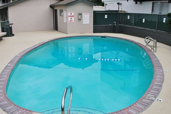 Hotel Medford North OR: Pool