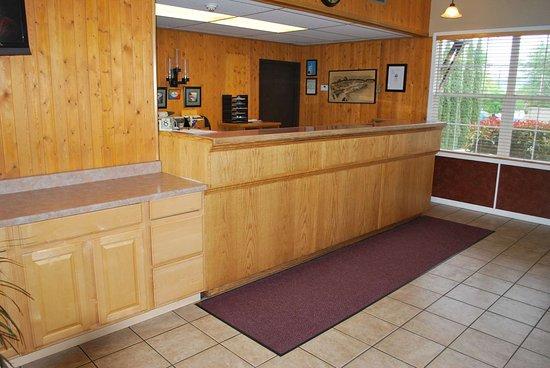 Hotel Medford North OR: Lobby