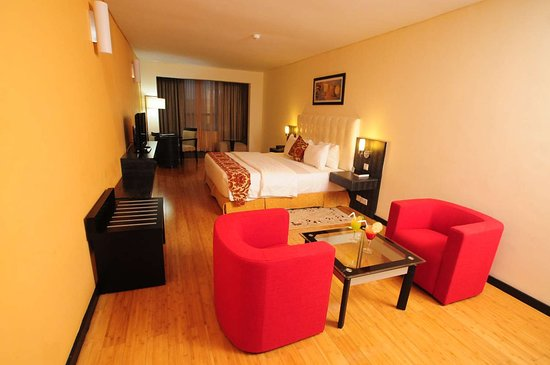 Best Western Premier Accra Airport Hotel: Suite King Bed Guest Room