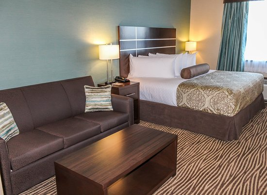 Best Western Plus Moosomin Hotel: King Guest Room with Sofa Bed