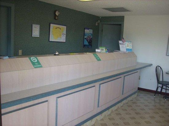 Ardmore, TN: Front Desk