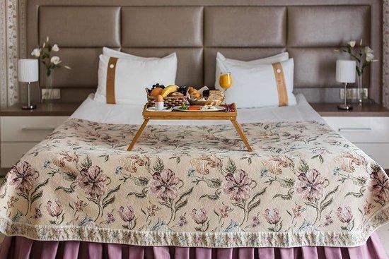 Best Western Plus Flowers Hotel: Guest Room