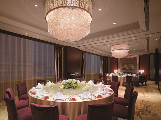Shangri-La Hotel: Shang Palace Private Dining Room (twin tables)