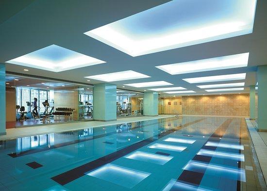 Shangri-La Hotel: Health Club - Swimming Pool