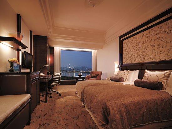 Shangri-La Hotel Guangzhou: Premier River View Twin Room