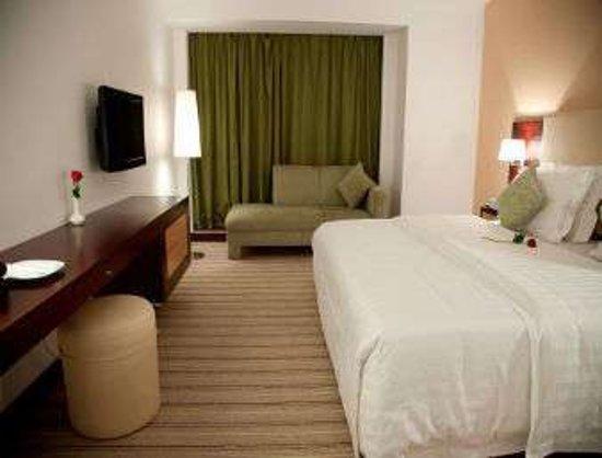 Days Hotel by Wyndham Olaya Riyadh: Executive King Bed Room