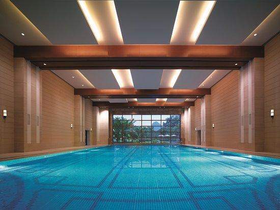 Shangri-La Hotel Guilin: Indoor Swimming Pool