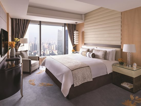 Jing An Shangri-La, West Shanghai: Executive Suite - Bedroom