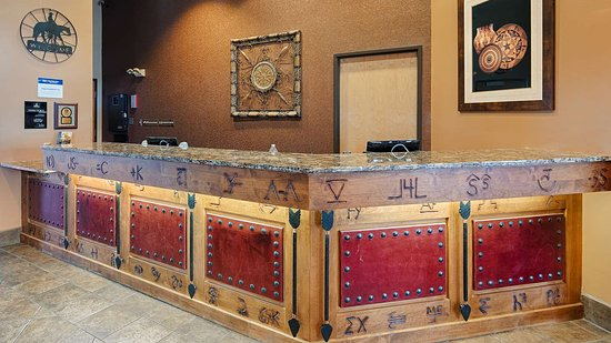 Moriarty, NM: Front Desk