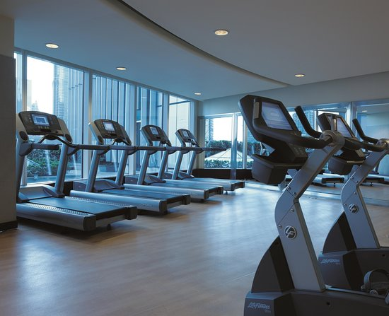 Pudong Shangri-La, East Shanghai: Gym with talent