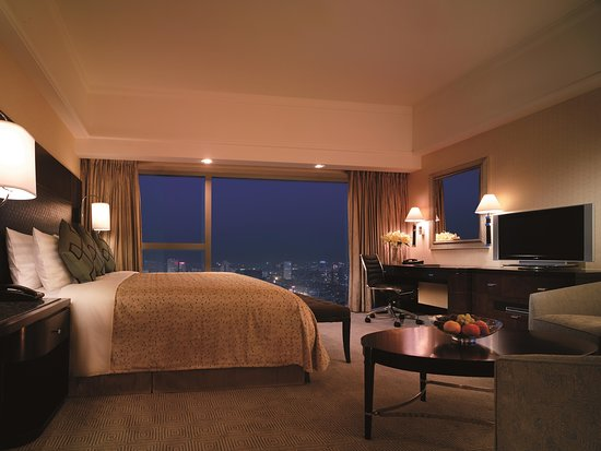 Shangri-La Hotel, Xian: Deluxe Suite (Bedroom)