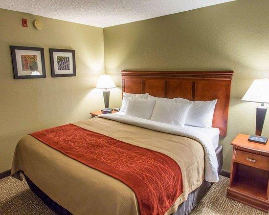 Comfort Inn: Spacious suite