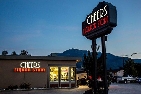 Best Western Plus Revelstoke: Cheers Liquor Store on Laforme
