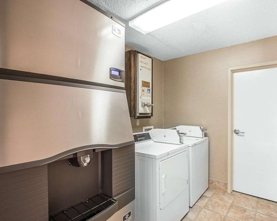 Livingston, AL : Guest laundry facilities
