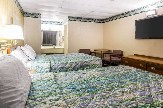 Rodeway Inn Gadsden 1-59 Exit 183: Guest room with added amenities