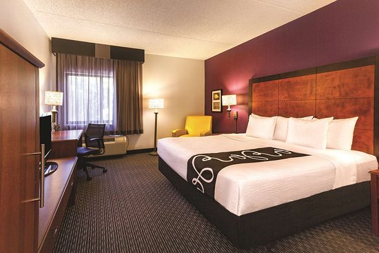 La Quinta Inn & Suites Miami Airport East Hotel