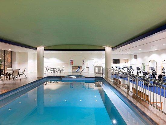 Pullman Melbourne Albert Park: Pool View