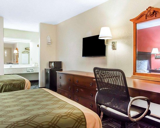 Econo Lodge: Guest room with added amenities