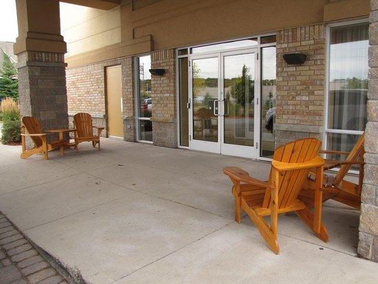 Best Western Plus Muskoka Inn: Muskoka Chairs