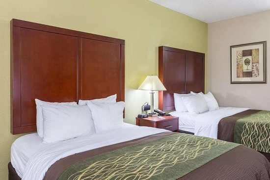 Comfort Inn: Guest room with two queen beds