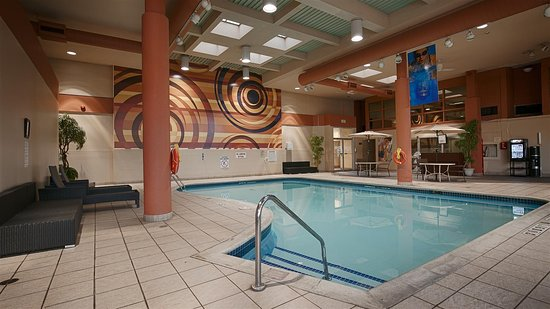Best Western St. Catharines Hotel & Conference Centre: Pool
