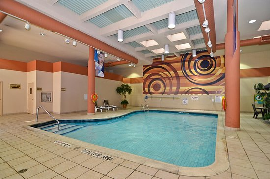 Best Western St. Catharines Hotel & Conference Centre: Heated Indoor Pool