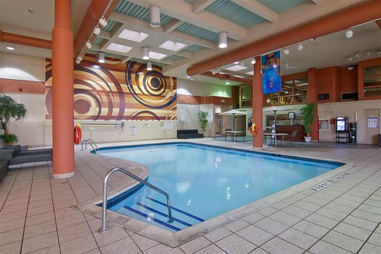 Best Western St. Catharines Hotel & Conference Centre: Indoor Pool