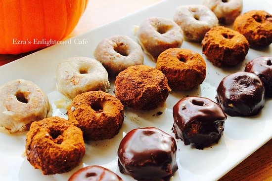 Ezra's Enlightened Cafe: Vegan Donuts