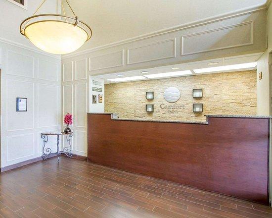 Comfort Inn Birmingham - Irondale: Hotel lobby