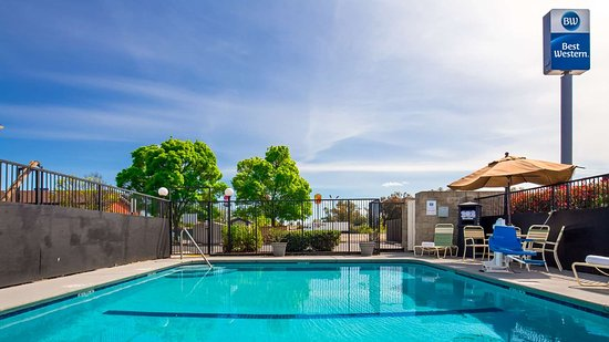 Best Western Willows Inn: Outdoor Pool