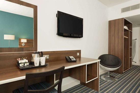 Days Inn by Wyndham Liverpool City Centre: 1 King Bed Room