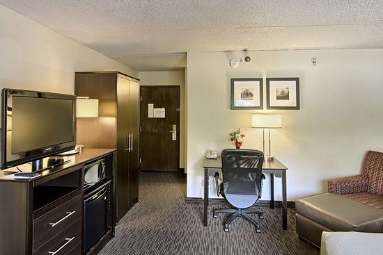 GrandStay Hotel & Suites Traverse City: IMG HDR pt