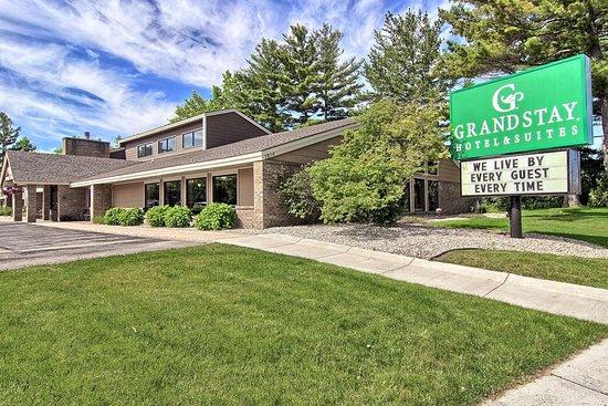 GrandStay Hotel & Suites Traverse City, hôtels à Lake Leelanau