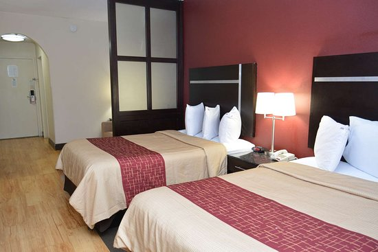 Red Roof PLUS+ & Suites Chattanooga - Downtown: Suite 2 Full