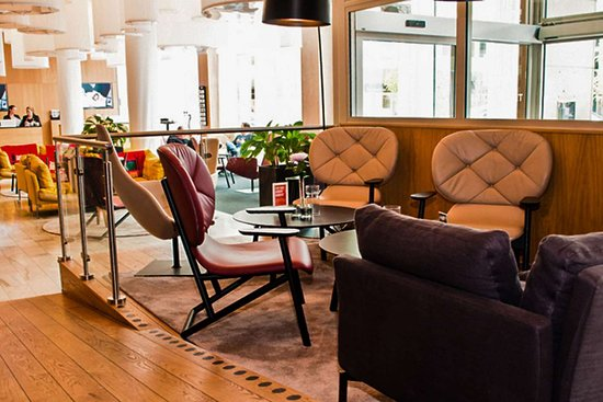 Clarion Hotel Gillet: Hotel lobby