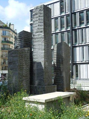 Menhirs de la Maison des Sciences de l'Homme