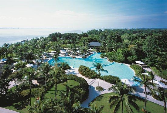 Shangri-La's Mactan Resort & Spa: Aerial Pool